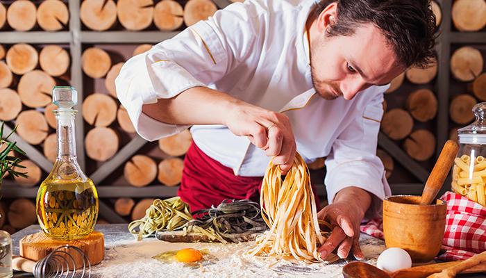 negócios mais rentáveis na Itália cozinheiro